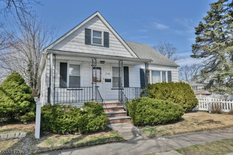 Single Family Homes vì Bán tại 7 Central Avenue Fair Lawn, New Jersey 07410 Hoa Kỳ