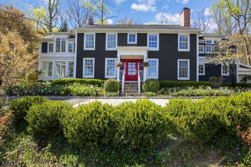 Single Family Homes للـ Sale في 27 Old Orchard Road Mendham, New Jersey 07960 United States
