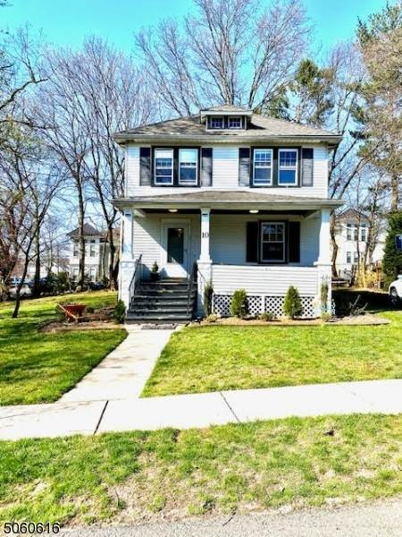 Single Family Homes per Vendita alle ore 10 Poplar Street Dumont, New Jersey 07628 Stati Uniti