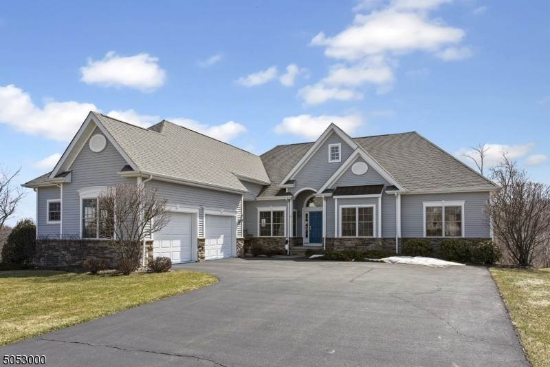Single Family Homes pour l Vente à 32 Players Blvd Fredon Township, New Jersey 07860 États-Unis