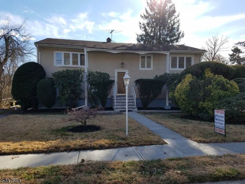 Single Family Homes vì Bán tại 39 MORLOT Avenue Fair Lawn, New Jersey 07410 Hoa Kỳ