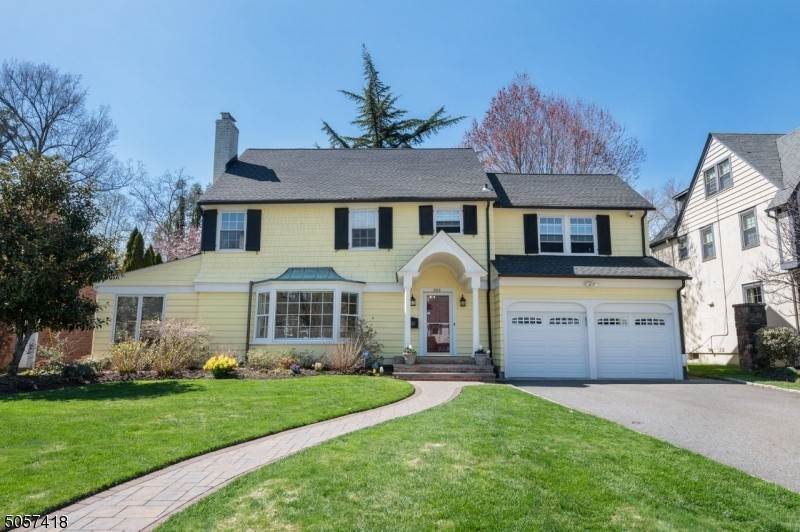 Single Family Homes per Vendita alle ore 320 Forest Avenue Glen Ridge, New Jersey 07028 Stati Uniti