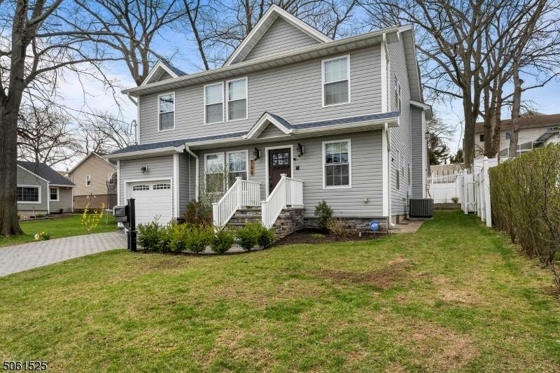 Single Family Homes por un Venta en 160 Woodside Avenue Hasbrouck Heights, Nueva Jersey 07604 Estados Unidos