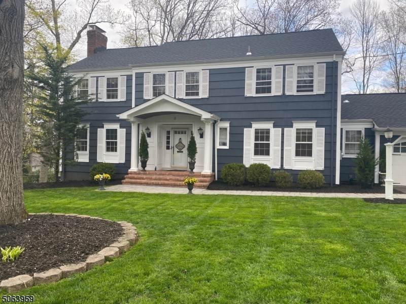 Single Family Homes vì Bán tại 3 Inwood Circle Chatham, New Jersey 07928 Hoa Kỳ