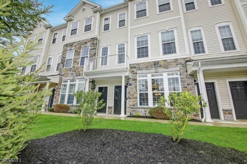 Condo / Townhouse for Sale at 13 Clover Lane Garfield, New Jersey 07026 United States