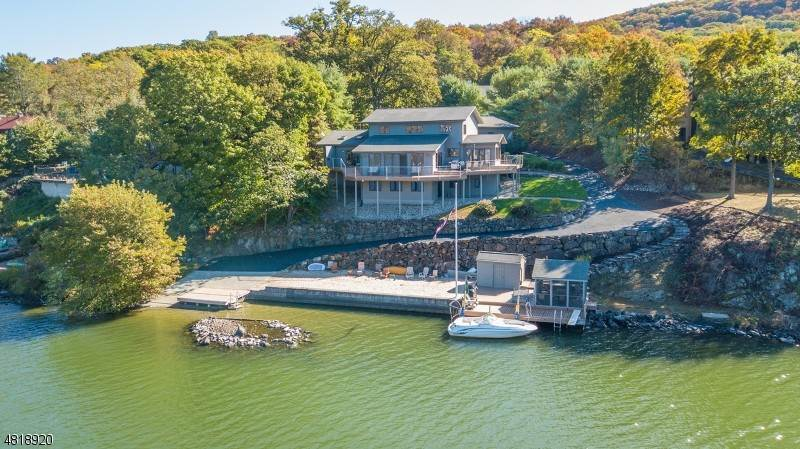 Single Family Homes for Sale at 11 Van Orden Lane Greenwood Lake, New York 10925 United States
