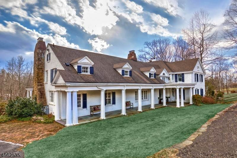 Single Family Homes for Sale at 40 Turnbull Lane Bernardsville, New Jersey 07924 United States