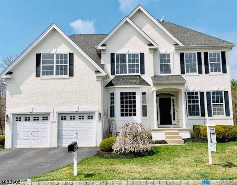 Single Family Homes pour l Vente à 65 Crestview Drive Clinton Township, New Jersey 08809 États-Unis