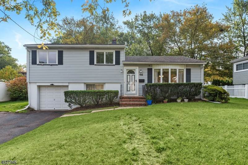 Single Family Homes 為 出售 在 46 Glenwood Road Fanwood, 新澤西州 07023 美國