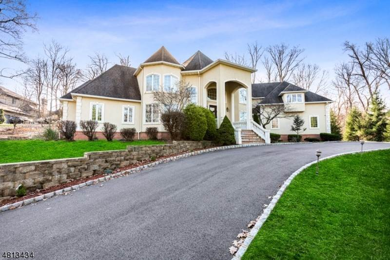 Single Family Homes için Satış at 202 W ROCK Road Green Brook Township, New Jersey 08812 Amerika Birleşik Devletleri
