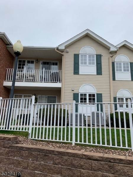 Condo / Townhouse للـ Sale في 105 ROSELAND Avenue Caldwell, New Jersey 07006 United States