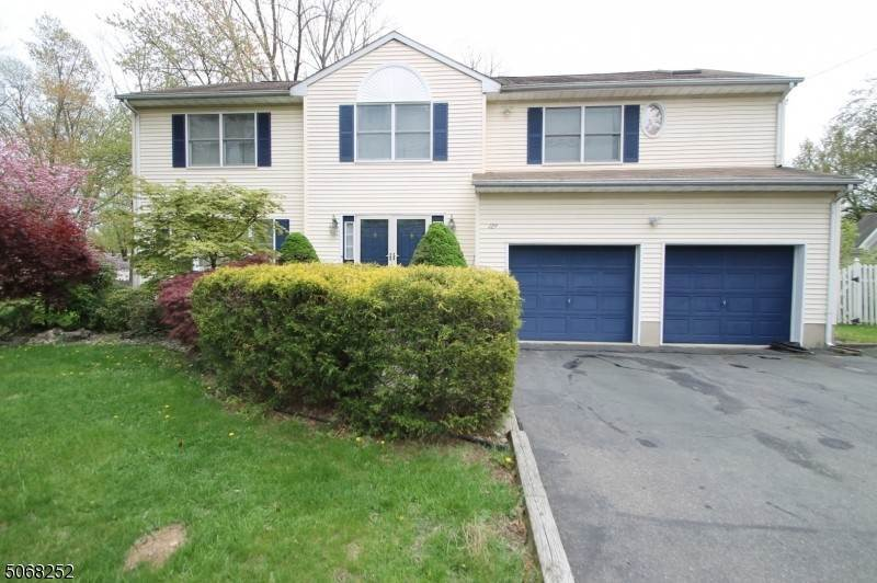 Single Family Homes 為 出售 在 129 Littleton Road Morris Plains, 新澤西州 07950 美國