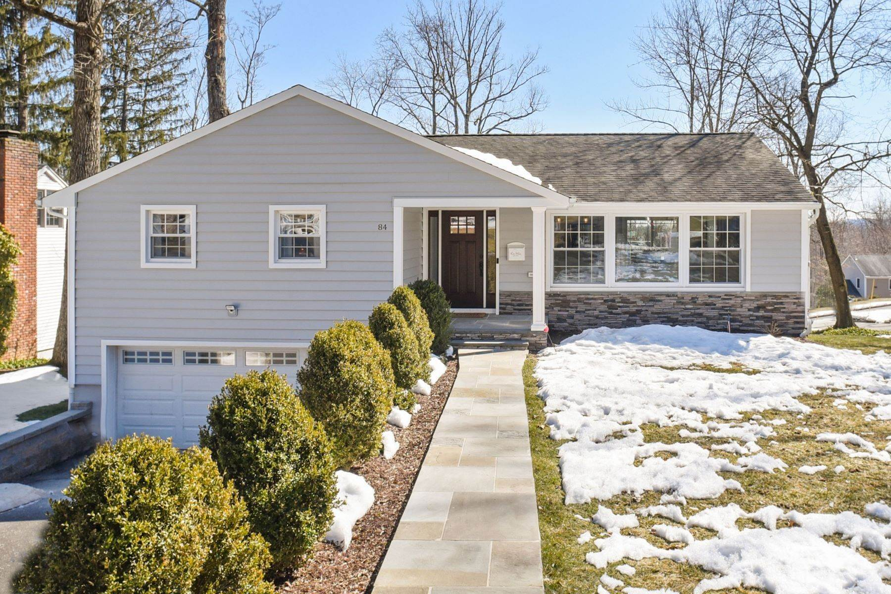 Single Family Homes 為 出售 在 Stunning Fully Renovated Ranch 84 Sylvan Drive Morris Plains, 新澤西州 07950 美國