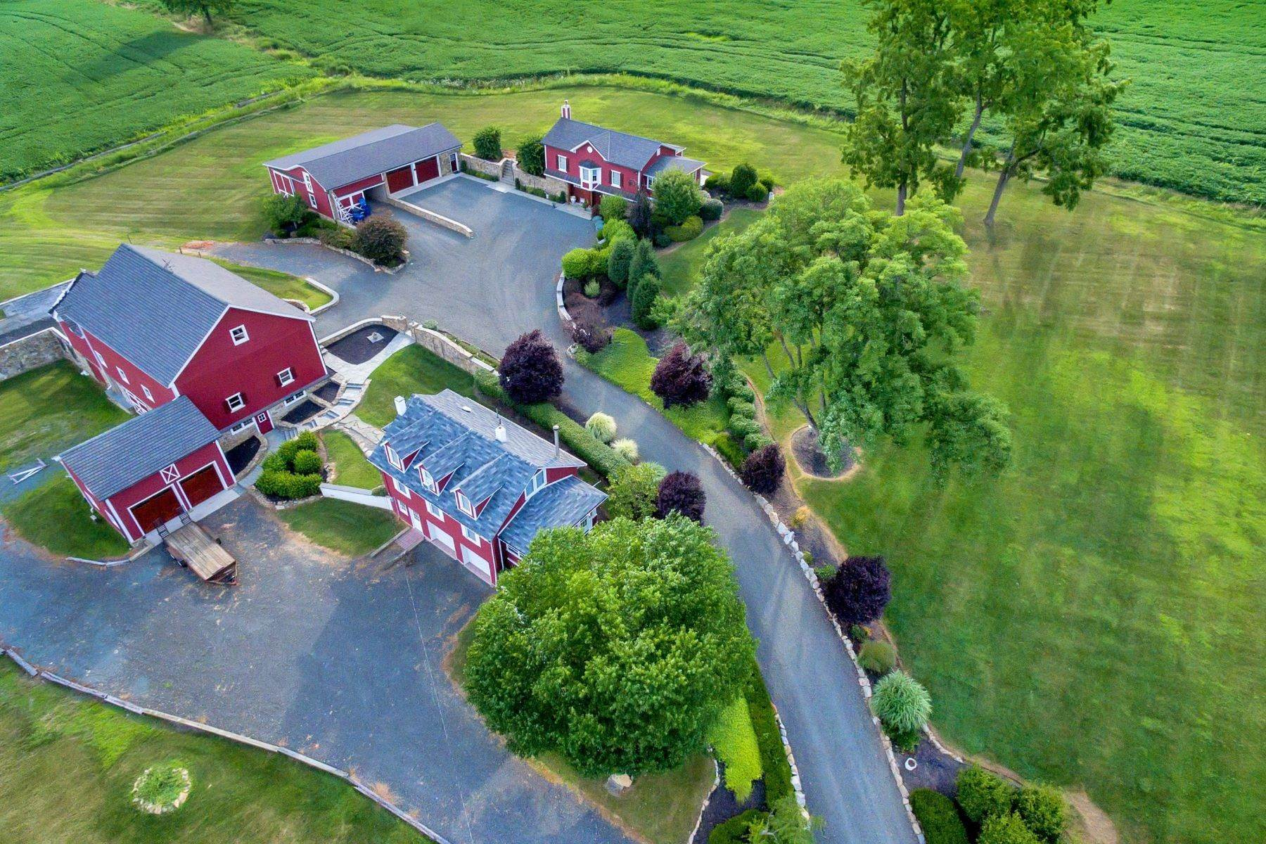 Single Family Homes per Vendita alle ore Magnificently Restored Farm 109 Old Turnpike Road Tewksbury Township, New Jersey 08858 Stati Uniti