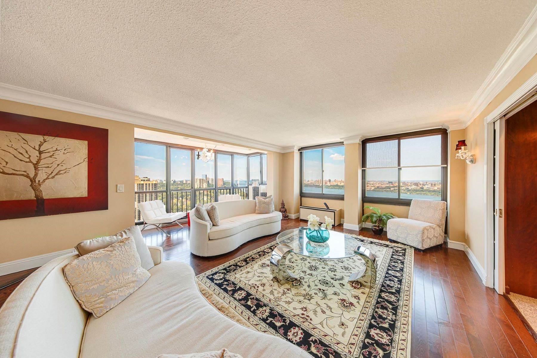 Condominiums for Sale at Fabulous Views 200 Winston Dr 2608 Cliffside Park, New Jersey 07010 United States
