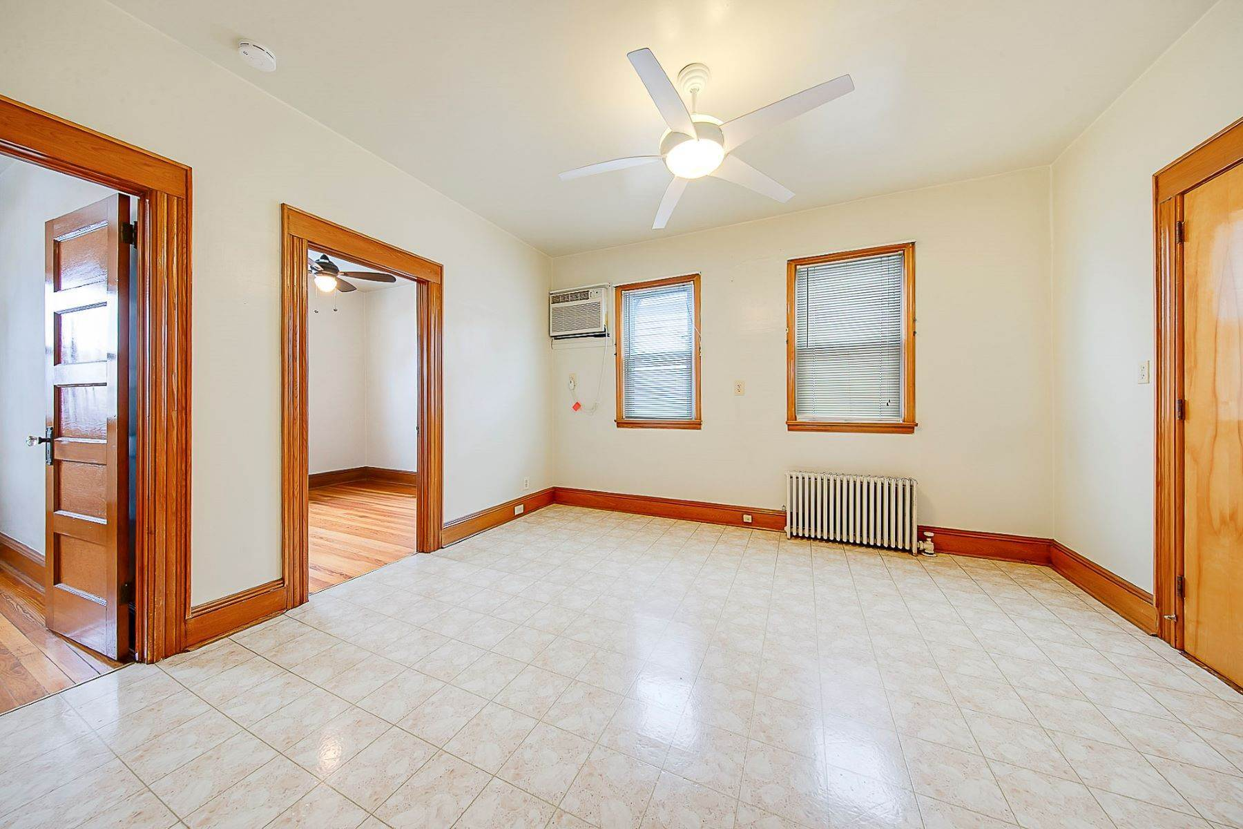 Apartments vid Great Opportunity! 36 Division Ave 2 Garfield, New Jersey 07026 Förenta staterna