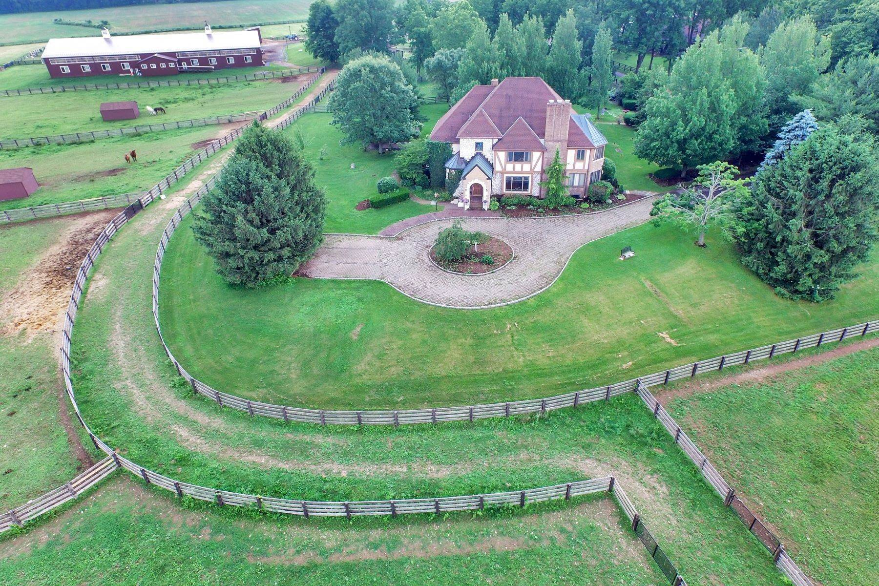 Single Family Homes pour l Vente à Equestrian Estate 160 Esposito Road Harmony Township, New Jersey 08865 États-Unis