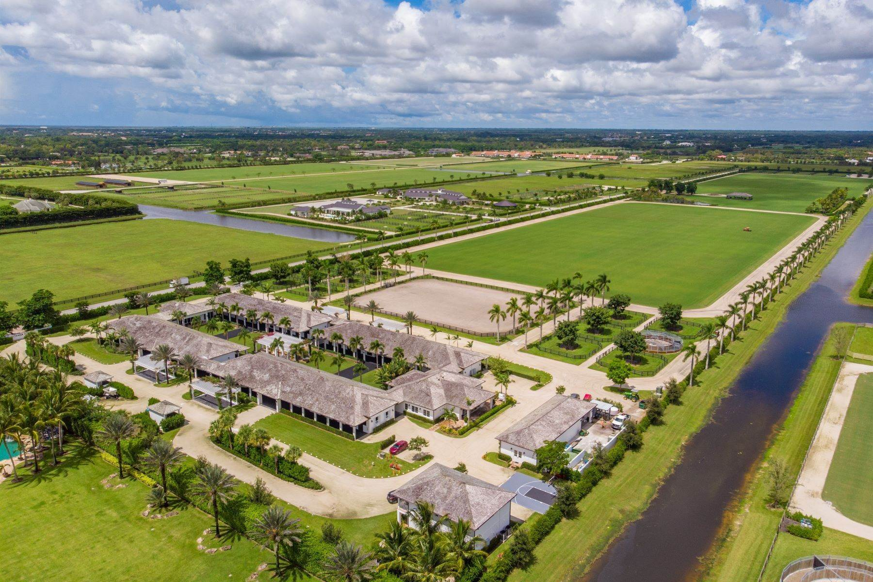 Single Family Homes pour l Vente à 5240 Laredo Way Wellington, Floride 33414 États-Unis