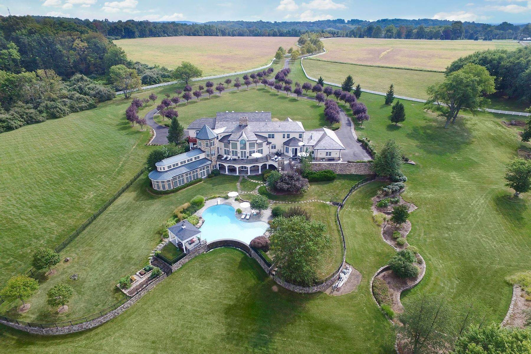 Single Family Homes للـ Sale في Offers Ideal Setting For Country Estate 131-133 Harbourton Woodsville Road Lambertville, New Jersey 08530 United States